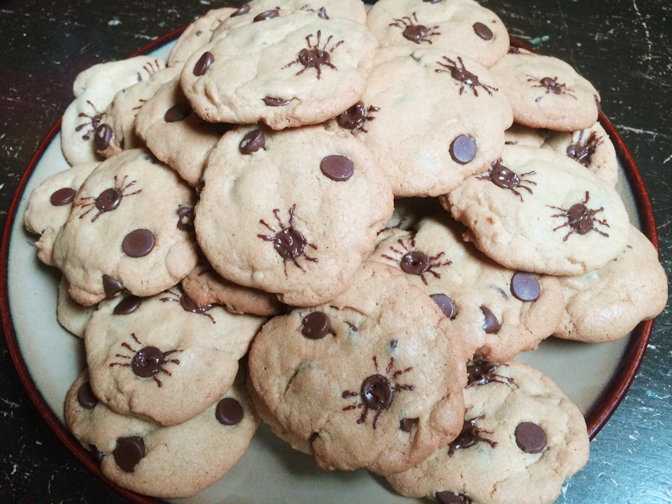 Halloween spider cookies with recipe