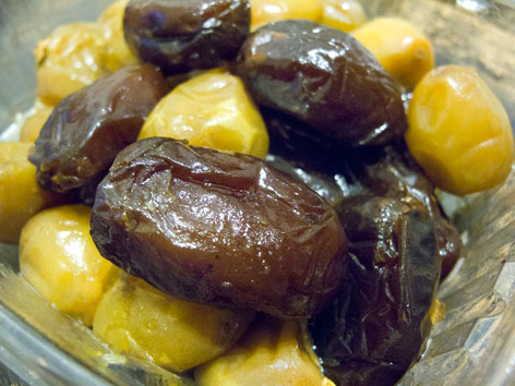 Fresh, local dates from Shields Date Garden in Indio, California.