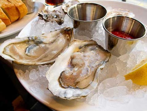 Chesapeake Bay raw oysters from the Oyster House in Philadelphia.